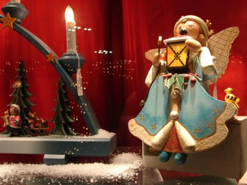 Christmas Market Ornament